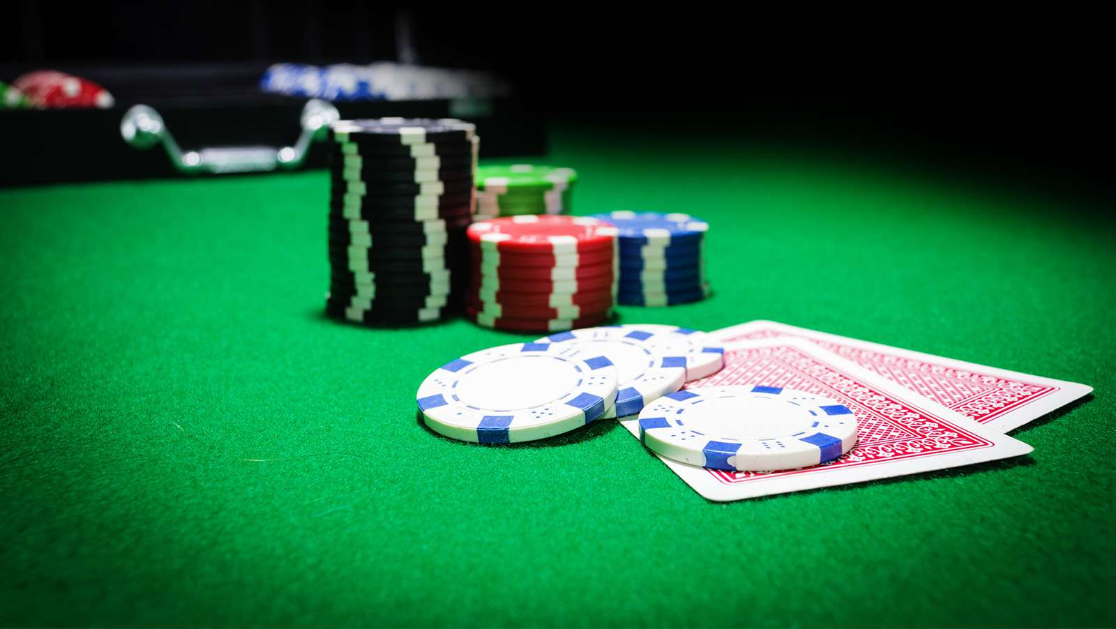 Ask question from Trusted Poker Gambling Agent