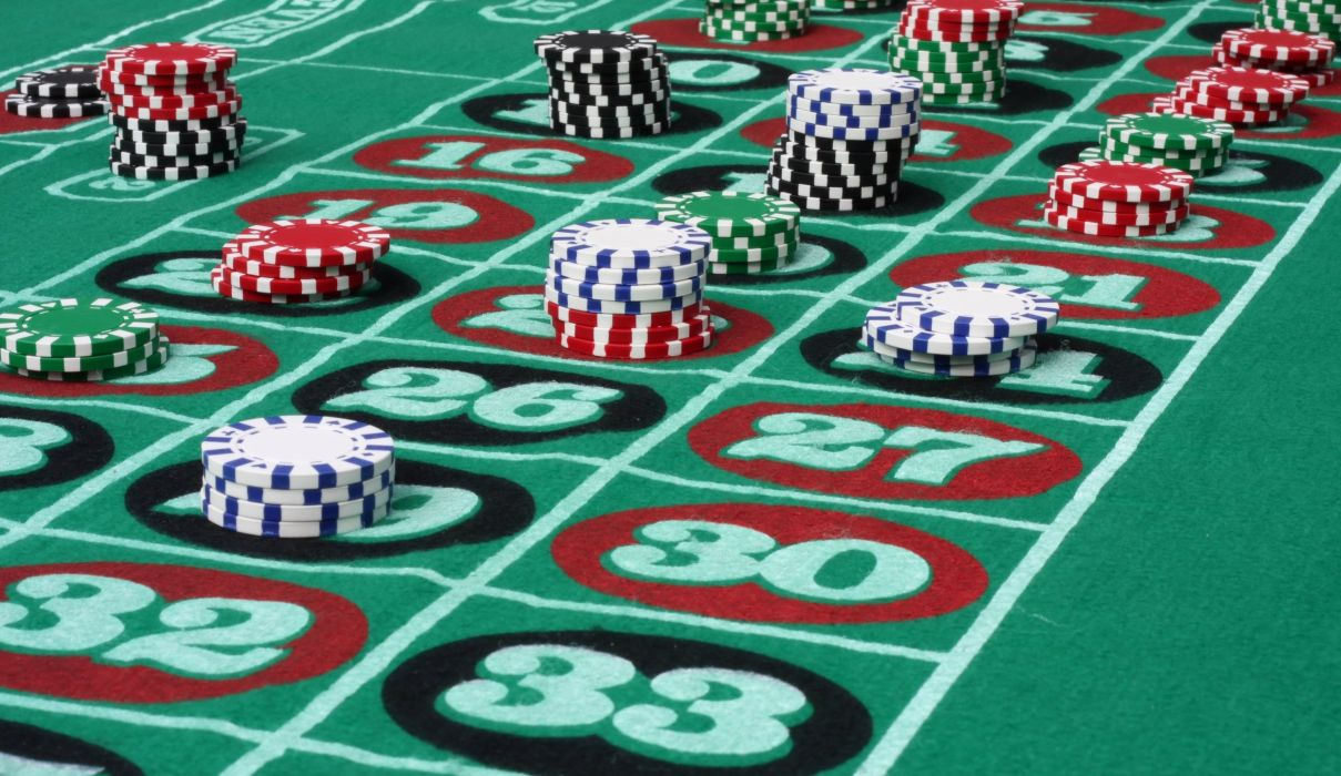 Essentials of poker playing to win money